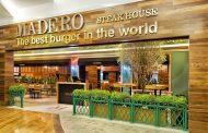 Madero é inaugurado no Leblon com jantar beneficente