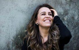 Roberta Sá é convidada do 'Samba da Lua Cheia' nesta sexta