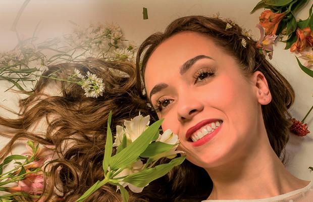 """Estrela de """"Hoje é Dia de Maria"""", Lígia Machado acredita que músicas inéditas não são primordiais em um musical"""