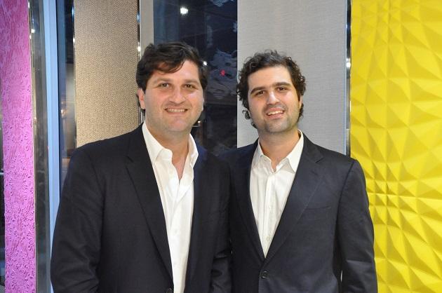 Marcelo e Gustavo Orlean recebem para coquetel em Miami