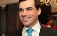 Sandro Barros realiza ação beneficente para o Natal