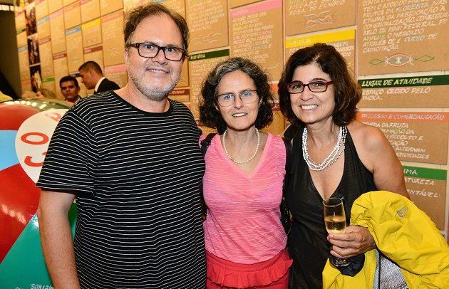 Bia Lessa abre 'Territórios' no Centro do Rio