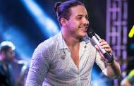 Wesley Safadão não desistiu de cantar com Roberto Carlos