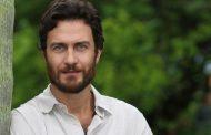 Gabriel Braga Nunes é mercenário em novela