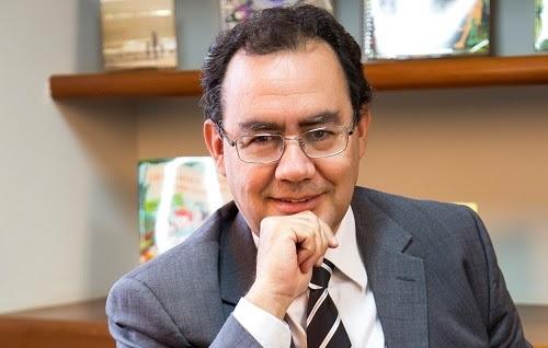 Augusto Cury inaugura hotel fazenda para dependentes álcool e outras drogas