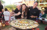 Ana Cristina Blois  reúne amigos em almoço para festejar aniversário