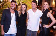 Felipe Freitas recebe famosos em noite de inauguração
