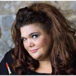 Simone Mazzer lança, com show no Rio, o novo CD