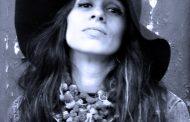 EXCLUSIVO: Olívia Gênesi lança vídeo-clip em parceria com esta coluna