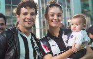 Filho de Sophie Charlotte fala 'papai' primeiro