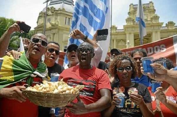 Os funcionários públicos do Rio estão na linha da miséria