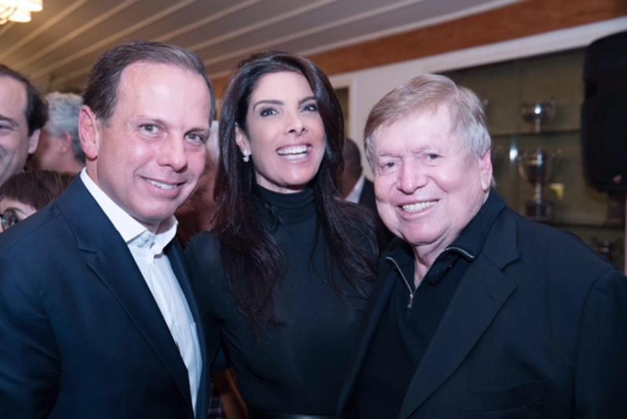 Cocktail em torno de João Doria reúne empresários, políticos, desembargadores e jornalistas no Gávea Golf Club