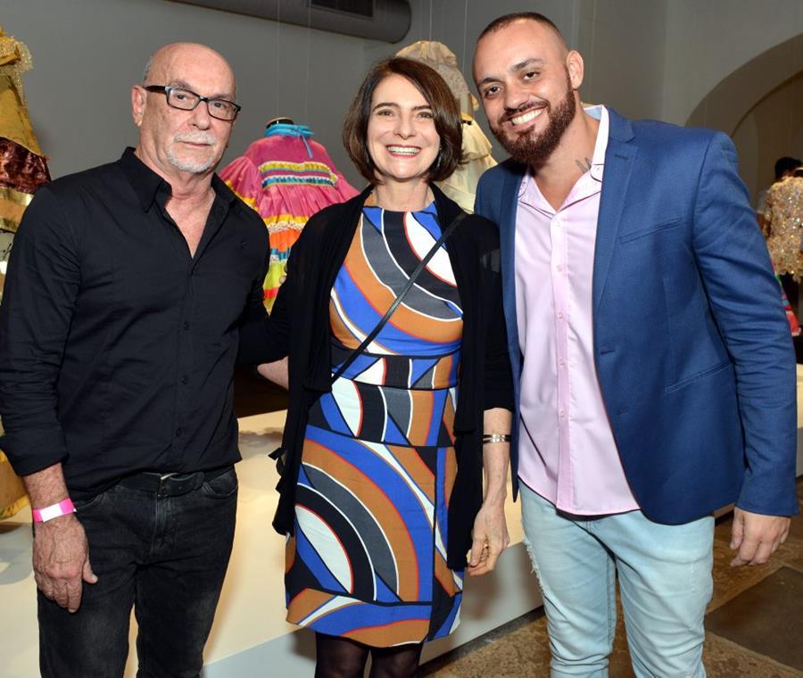 """Monica Barki apresenta, no Paço Imperial,  a exposição """"Eu me declaro"""""""
