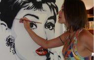 Estilista Alessandra Vaz que lança sua coleção Pop Banana inspirado no tema do CD homônimo da cantora Julia Vargas