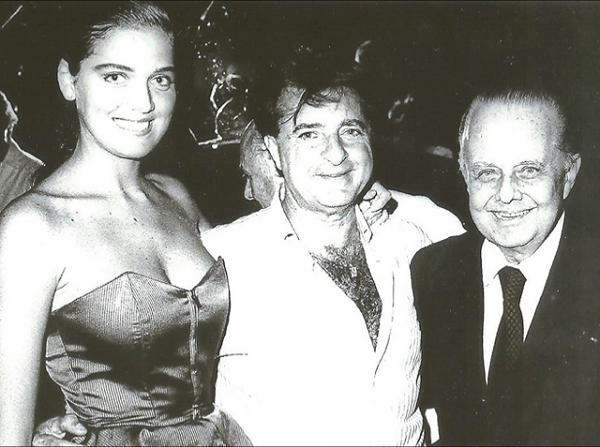Jorginho Guillermo e Humberto Saade viveram mais do que a grana que tinham. Na foto, estão com a bela Vanessa Oliveira, uma das descobertas de HS