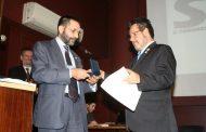 Evaldo Valladão recebe homenagem do engenheiro português , Augusto Guedes