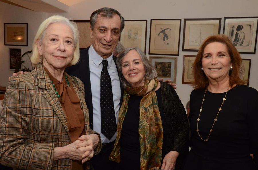 Depois de eleito para ABL, Antonio Cícero é homenageado com coquetel