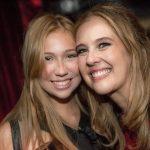 Juliana Barcelos com sua filha, Vianita Correa