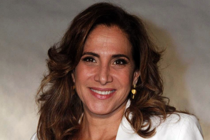 Prestes a estrelar musical, Totia Meireles estreia primeiro show solo e prepara turnê e DVD