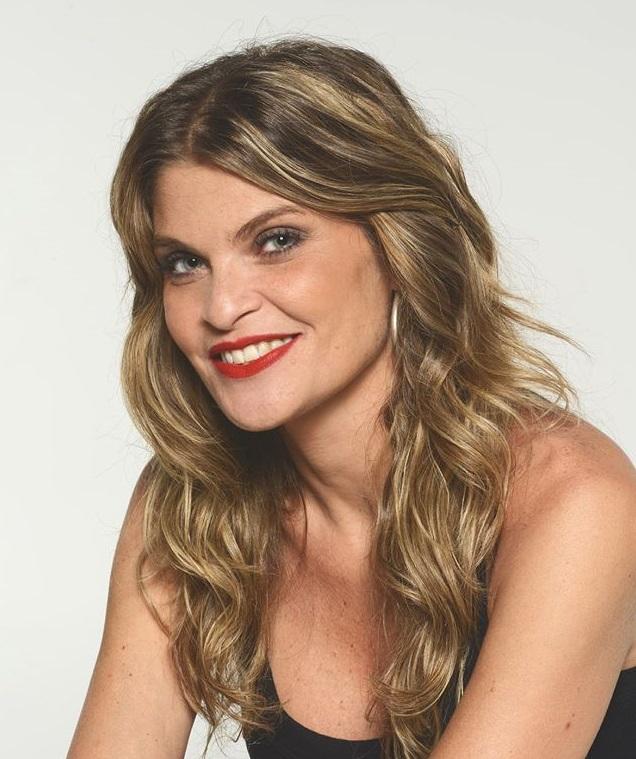 Conheça Débora Reis, atriz escolhida para viver Hebe Camargo em musical