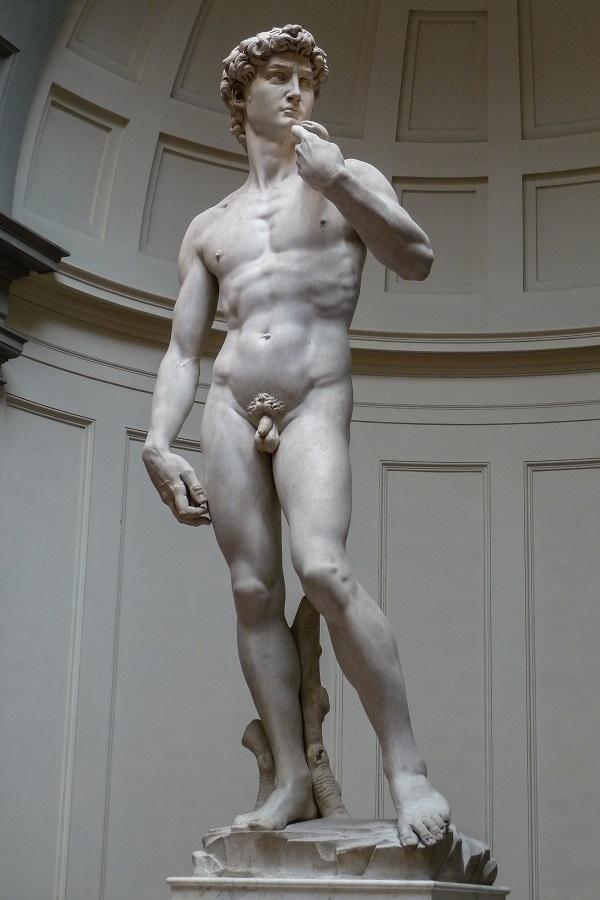 O David de Michelangelo: a réplica perfeita está ao ar livre na Piazza Della Singnoria, em Florença