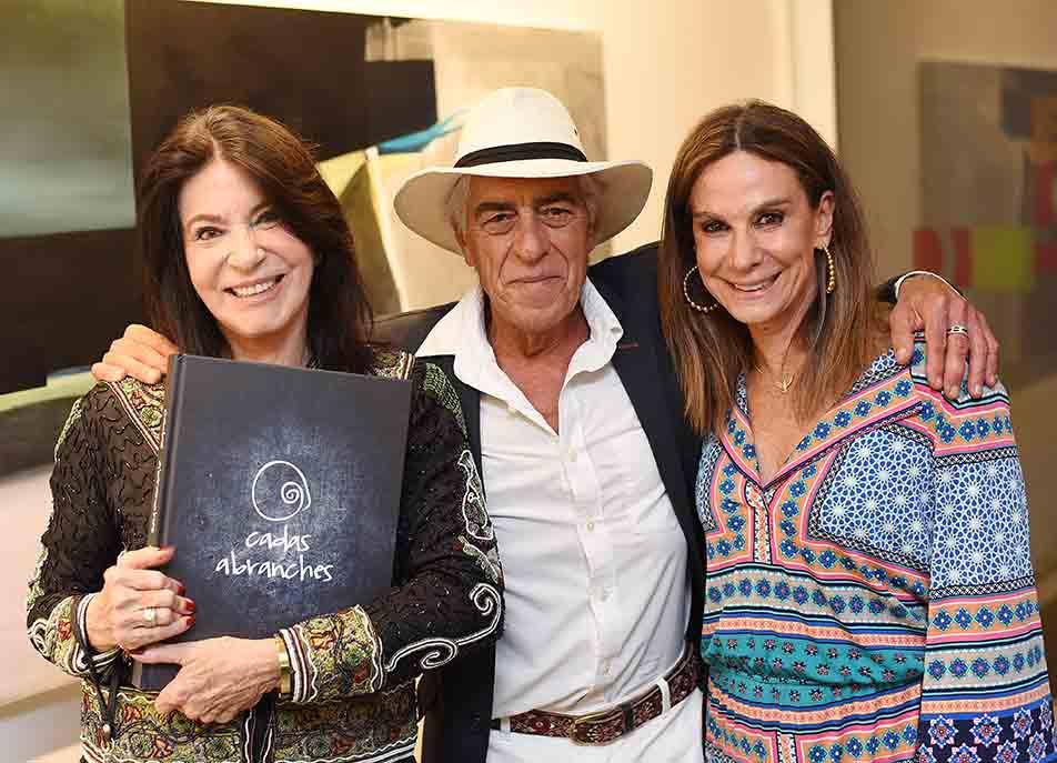 Cadas Abranches lança livro no Rio de Janeiro