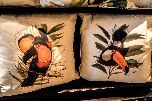 sutileza no desenho de tucanos
