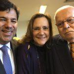 Ministro Mendonça Filho com o sogro Marcos Vilaça e a amiga Elizabeth Savala
