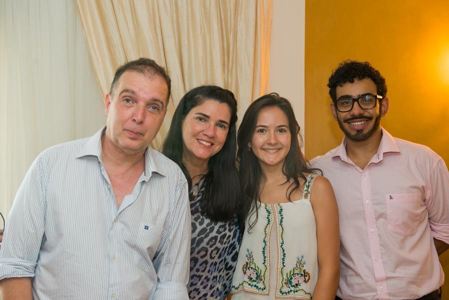 Confraternização de Natal reúne Embaixadores do Rio