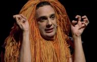 Em dose dupla, Marcelo Medici retorna a São Paulo com comédia e musical