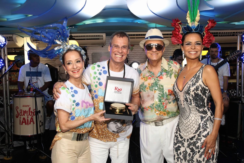 Famosos curtem o primeiro dia de desfiles do grupo especial no Camarote Rio Samba e Carnaval