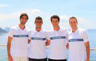 Thiago Monteiro e Bruno Soares deixam rivalidade das quadras e posam para foto