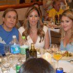 Tom Cavalcante com sua mulher Patrícia Lamounier e filha Maria Cavalcante