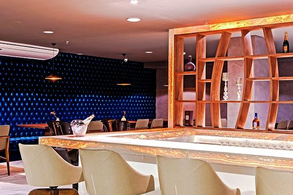 Champagne Restaurante e Bar