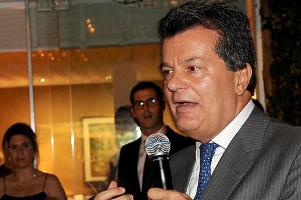 Ronaldo Cezar Coelho tem dinheiro e não pode mais gastar