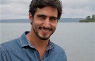 Renato Góes não reclama do namoro à distância