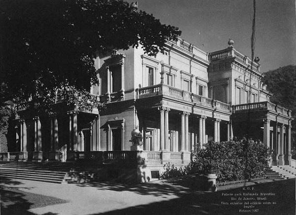 A antiga Embaixada da Argentina, na Praia de Botafogo, foi um palacete que pertenceu à família Guinle