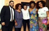 Teatro Municipal Carlos Gomes recebe exposição de Cristina Granato