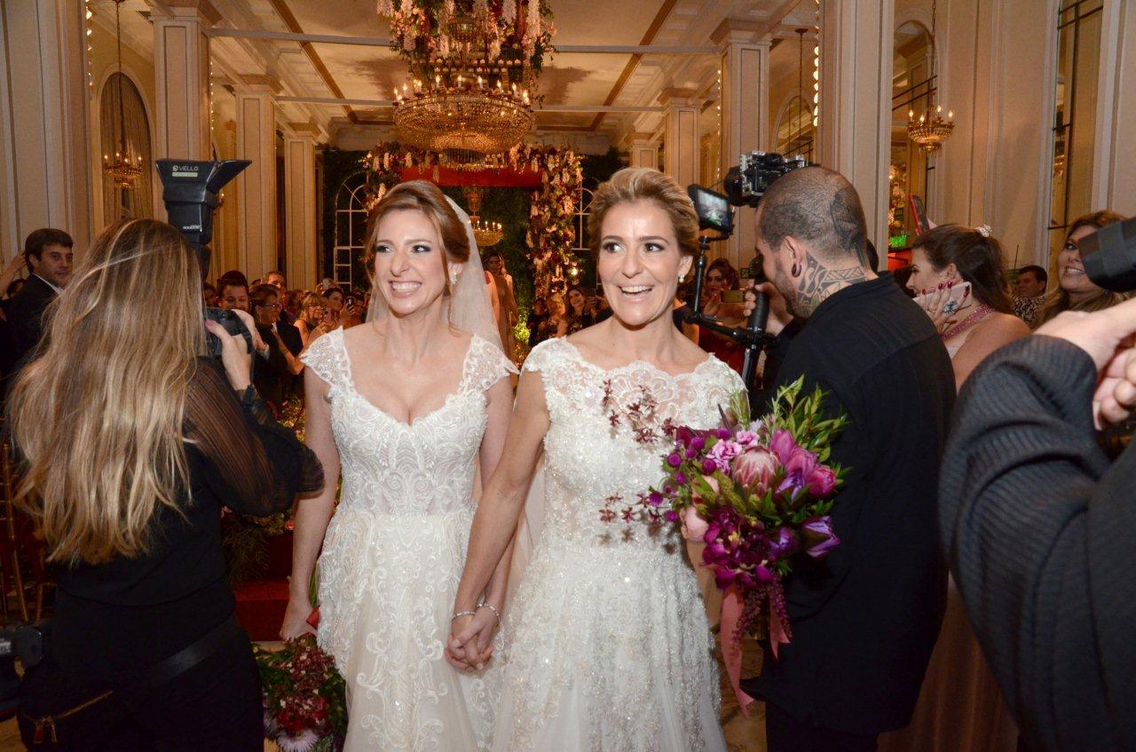Casamento de Roberta Gradel e Priscila Raab agita o Copacabana Palace