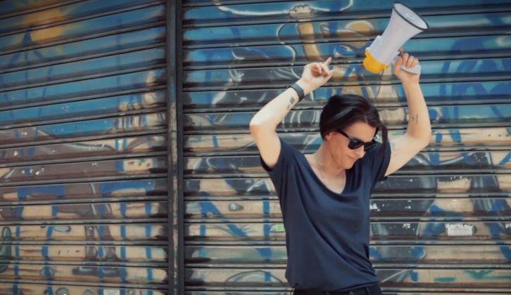 """Com """"Só os Coxinhas"""", Marina Lima solidifica diálogo com o contemporâneo"""