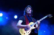Steve Hackettse apresenta no Brasil