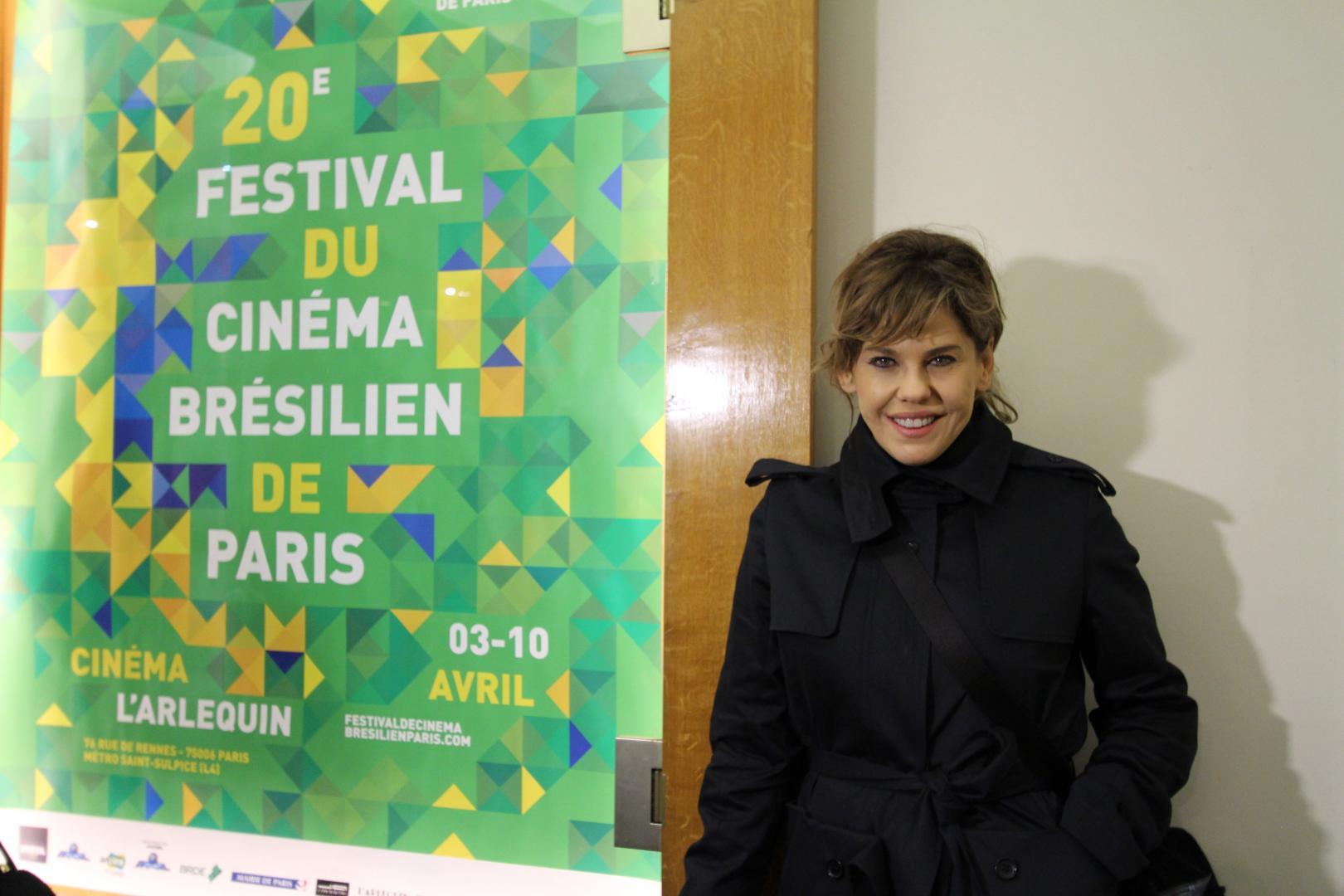 Bárbara Paes e Vincent Cassel na abertura do Festival de Cinema Brasileiro de Paris