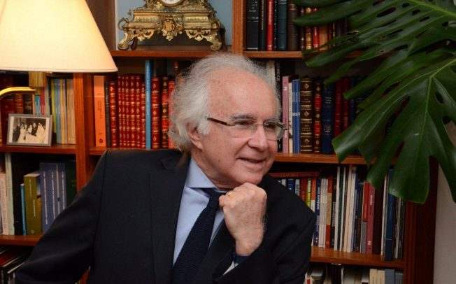 Coquetel que se seguiu à eleição da ABL, com a vitória do advogado Joaquim Falcão