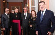 Novos cavaleiros e damas da ordem do Santo Sepulcro foram investidos na Catedral do Carmo