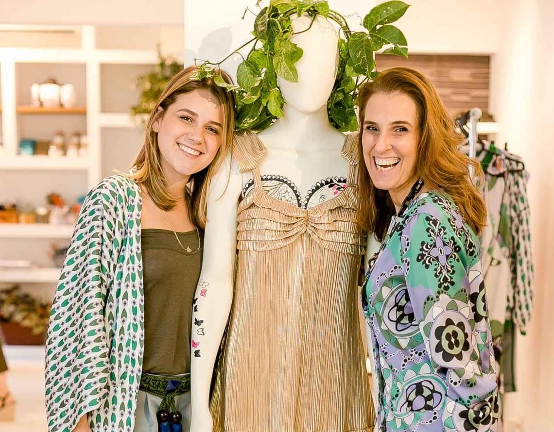 Helena e Bebel Schmidt lançam em petit comite a segunda edição da B.Label