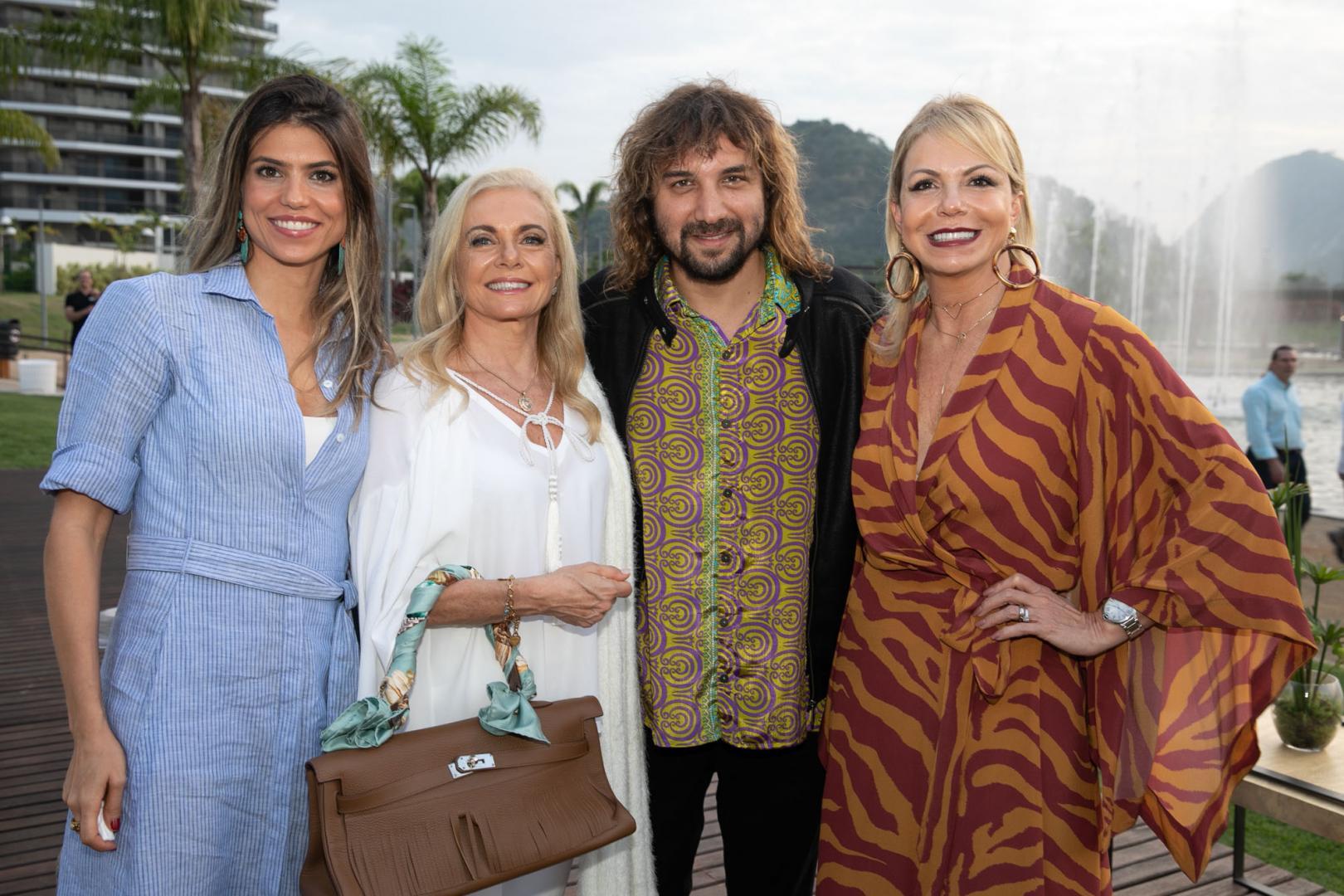 Happy hour de celebração do Ilha Pura, um empreendimento da Carvalho Hosken
