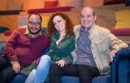 Laila Garin e banda A Roda reúnem amigos num pocket show para apresentar as imagens do DVD