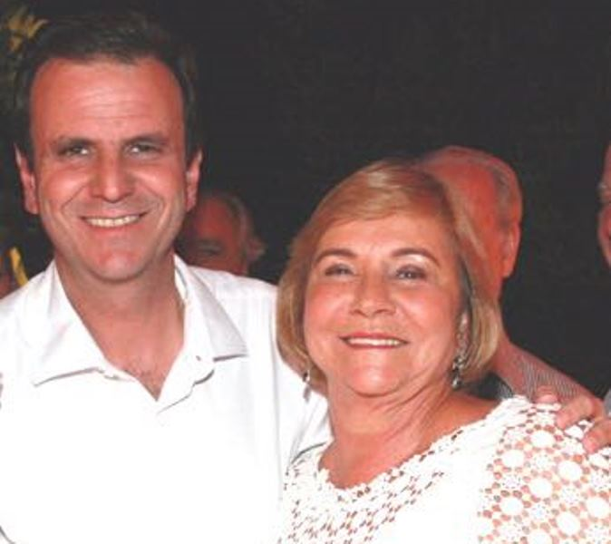 Desfalque afetivo na campanha de Paes: mamãe Consuelo só on line