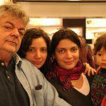 O jornalista e tricolor João Luiz dê Albuquerque com as filhotas Cristiana e Gabriela e o neto Gabriel