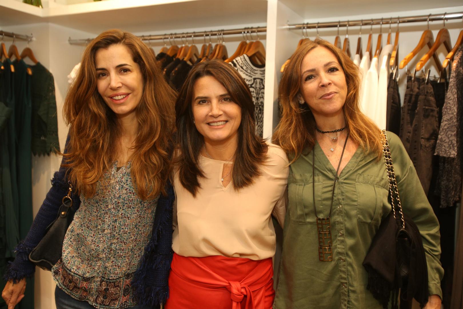 Fernanda Chies lança coleção e agita Ipanema